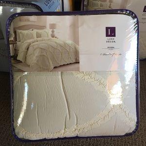 New Lush Decor Comforter 3 pc Set King